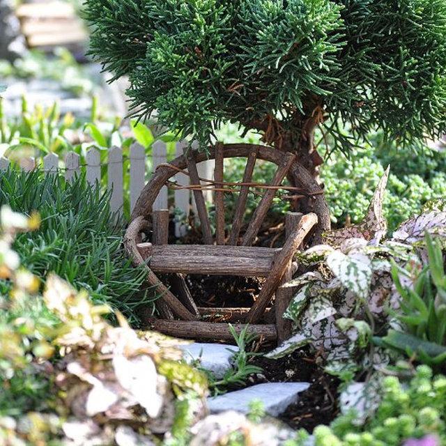 Miniature-Fairy-Garden-Vine-Twig-Bench