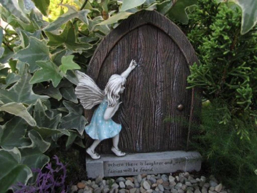 Fairy garden fairy door fresh garden decor for Outdoor fairy door