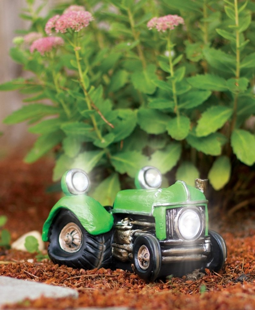 Tractor Garden Solar Lights : Solar powered vintage tractor vehicle garden decor fresh