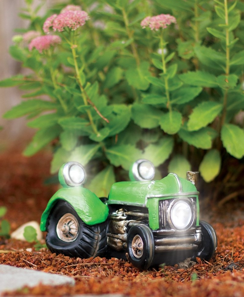 Solar Powered Vintage Tractor Vehicle Garden Decor Fresh