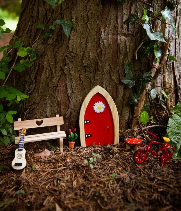 Magical irish fairy doors fresh garden decor for Fairy door with key