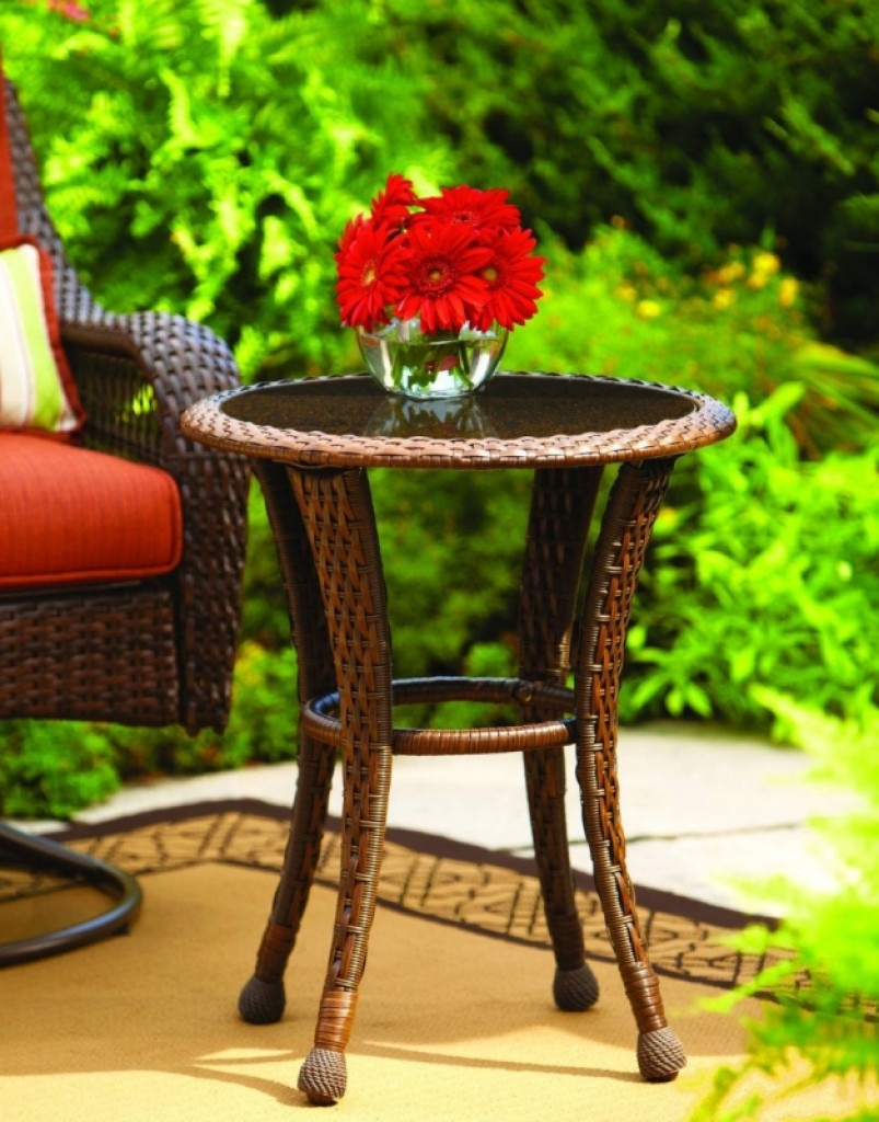 Azalea Ridge 20 Wicker Round Outdoor Side Table Fresh